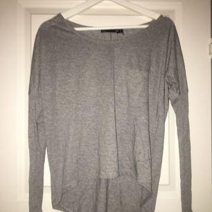 Fin enkel grå tröja