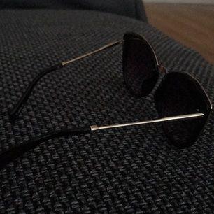 Solglasögon (oanvänd)