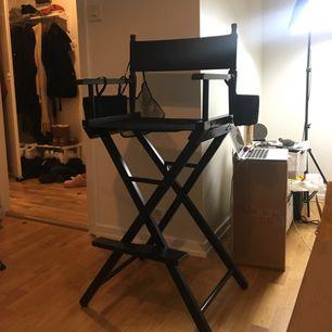 Säljer min makeup stol som jag aldrig använt! Finns att hämta i stockholm. Skicka DM för mer info