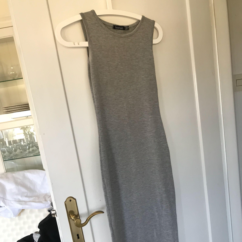 lång klänning grå