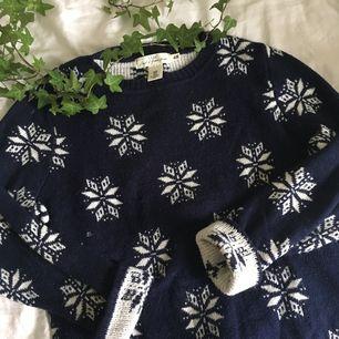 Mysig jultröja från H&M!  Använd 1-2 ggr och är i bra skick