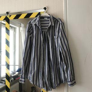 Randig skjorta i fint skick! 80kr ink frakt 🌟