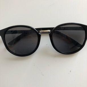 3 par solglasögon 30kr styck