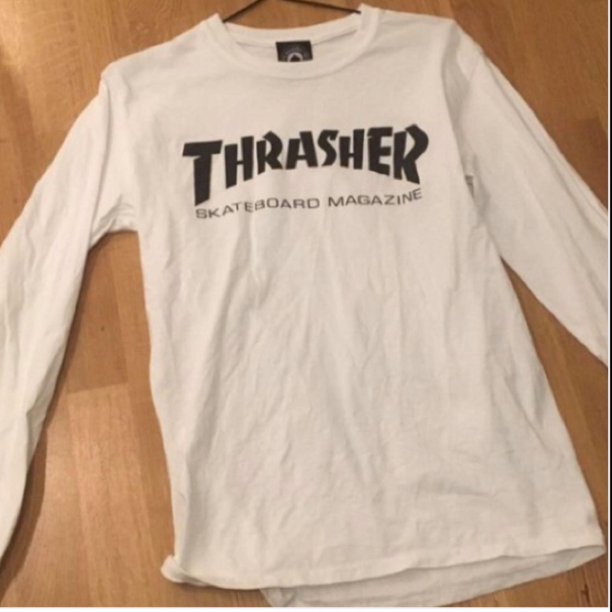 Säljer min thrasher långärmad tröja i xs . T-shirts.