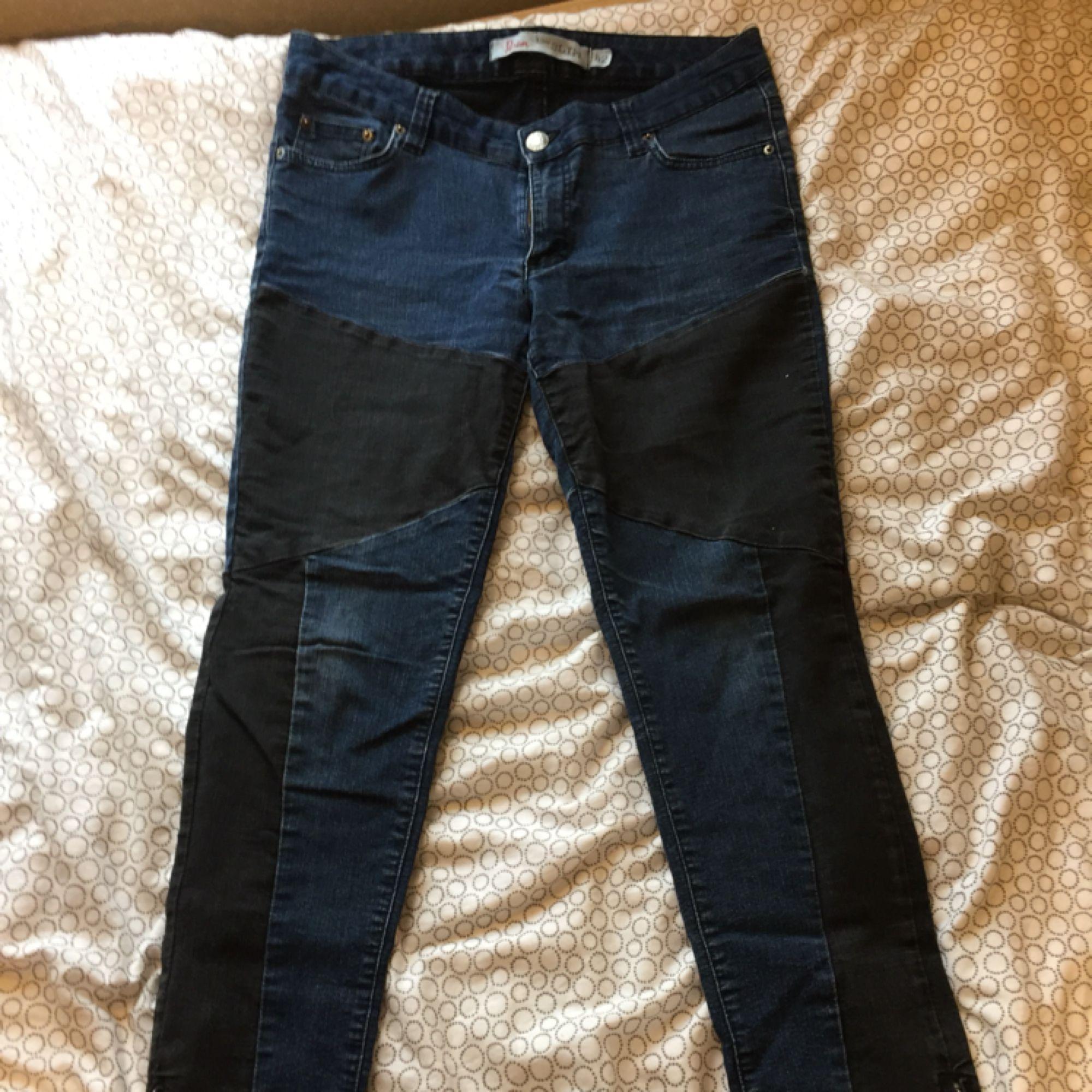 Jeans med låg midja köparen st - Jeans   Byxor - Second Hand d27f1c4c32202