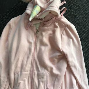 Stl s Typ unicorn tröja med fleec inuti hela helt ny 350kr frakt 36kr