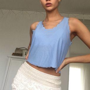 Jag står för frakt. S/xs Blått linne från topshop, använd kanske 2gg
