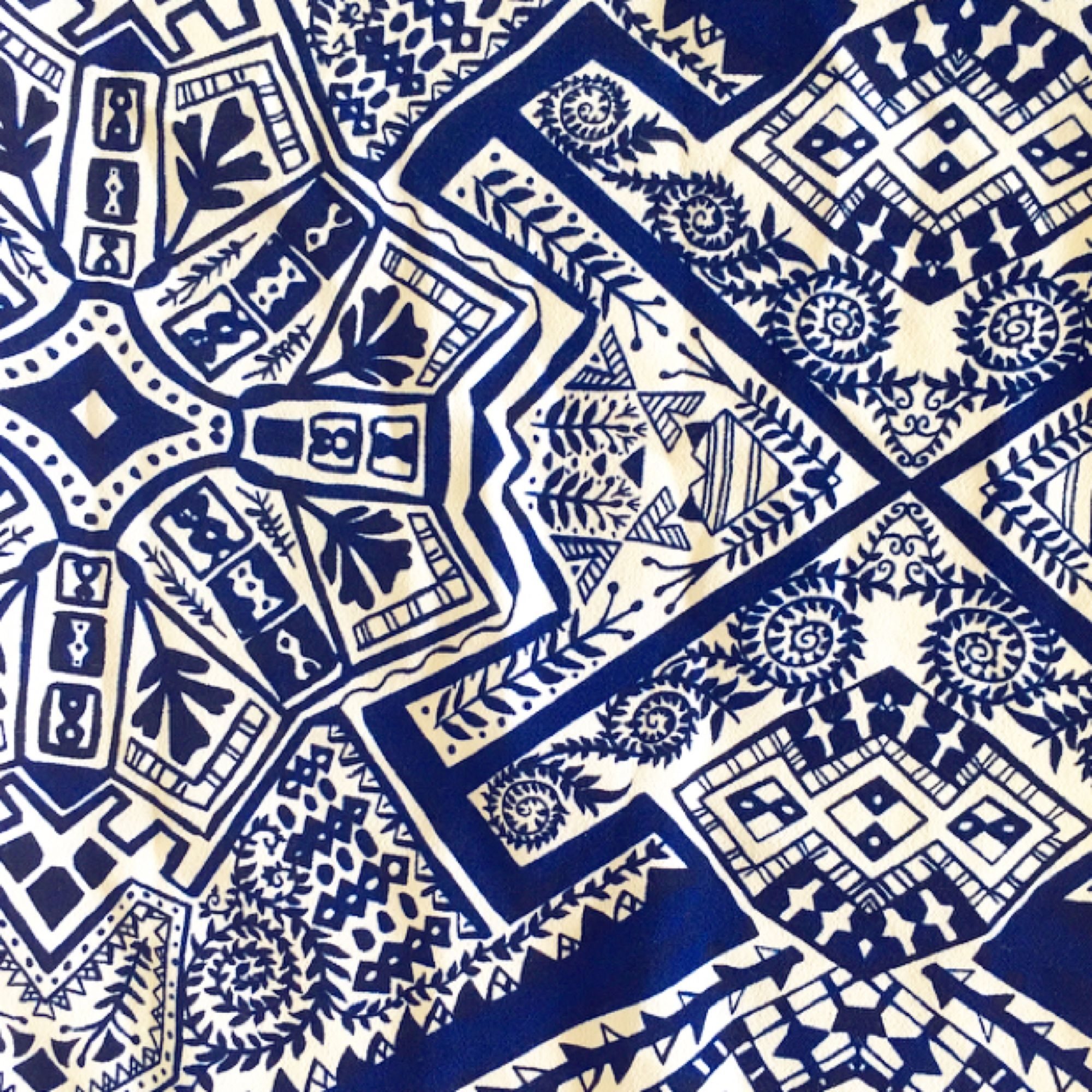 Vida, lite kortare byxor från Monki ☀️ Jättefint Mönster i vitt och blått. Höga i midjan. Köparen står för ev fraktkostnad 💌. Jeans & Byxor.