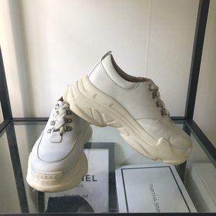 Skor från K cobler köpta för 699 kr. Använda 4 ggr, fint skick! ⛔️fraktar inte⛔️