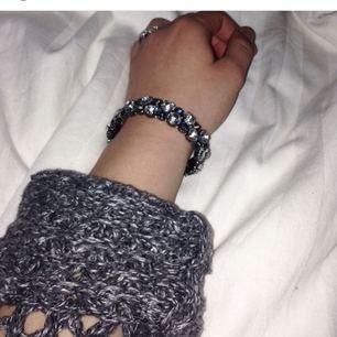 Fint diamant armband som är mycket elastiskt!   🌸Frakt tillkommer🌸