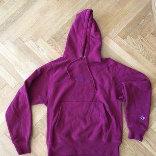 🚫RESERVERAD🚫  Champion-hoodie i nyskick. Köptes innan sommaren men har bara legat. Köpare står för frakt.