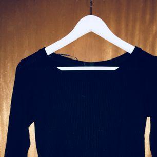 En långärmad tröja från Gina Tricot! så varm o skön!!