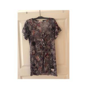 Storlek 2 (m)  Nästan oanvänd T-shirt från odd Molly.  Frakt ingår.