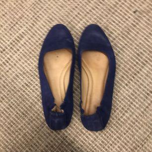 Blå ballerinaskor Filippa k knappt använda