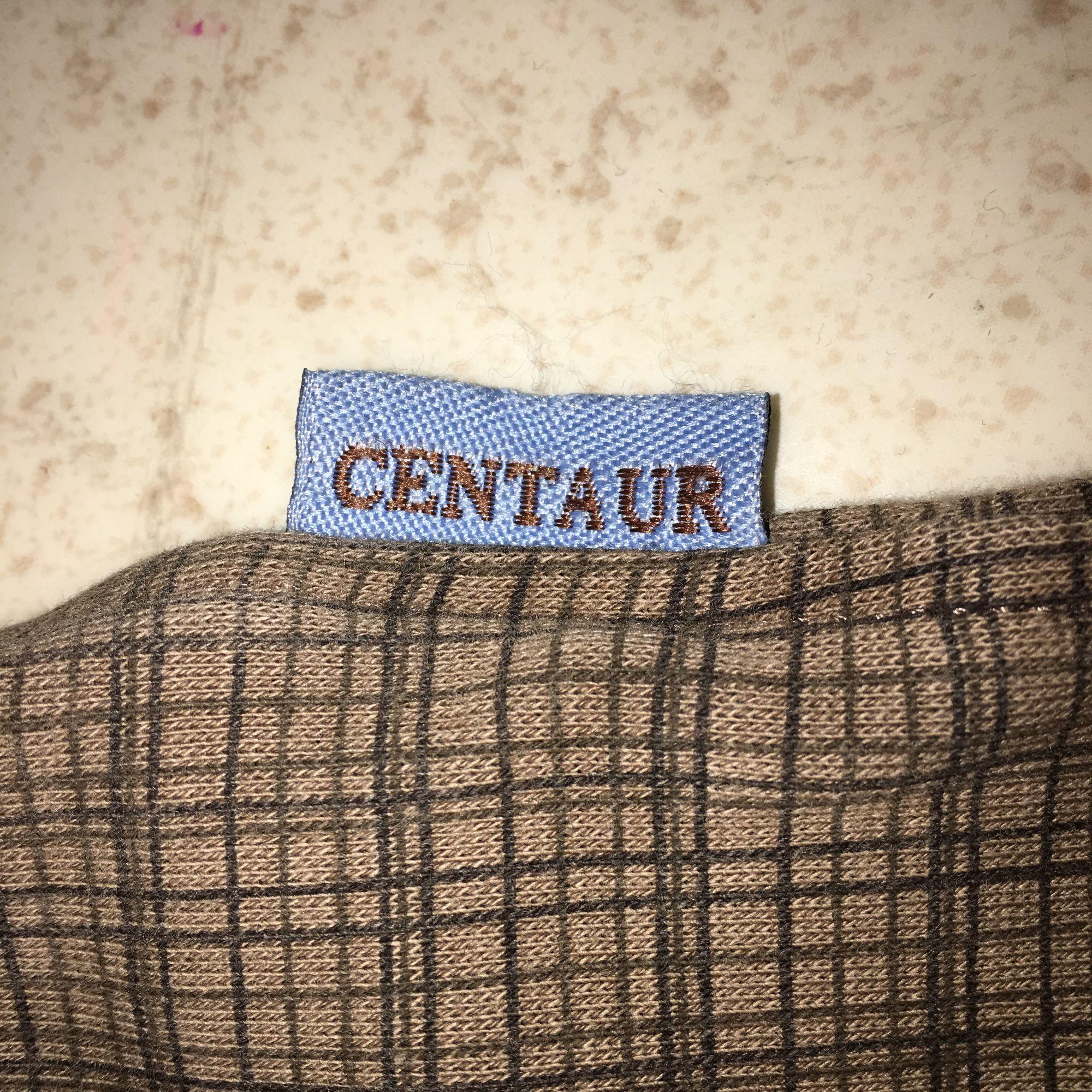 Priste kan diskuteras⚠️Står inte för frakten⛔️ Jättefina och sköna ridbyxor, sitter superbra. Använt ungefär 5 gånger.dom är jättevarma. Nypris 500kr från märket Centaur. Om det finns frågor gärna kontakta mig 💕😊. Jeans & Byxor.