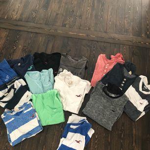 KLÄDPAKET HOLLISTER❗️  innehåller 10st t-shirts. 4st långärmade tröjor. 1st linne. Alla storlek S (herr) Pris kan diskuteras, så bara skriv om du är intresserad❗️