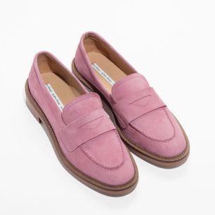 Bara testade loafers från other stories! (Alltså aldrig använda utomhus) Frakt: 90kr🎈💌