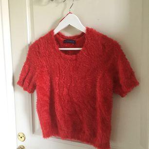 Fin tröja med skönt och mjukt material , elastisk