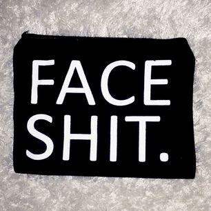 """Ny (Smink) nessesär """"face shit""""!   🌸köparen står för frakten🌸"""