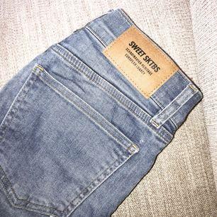Sköna jeans från SWEET SKBTS