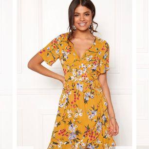 Supersöt klänning från Rut and Circle. Använd endast en gång!