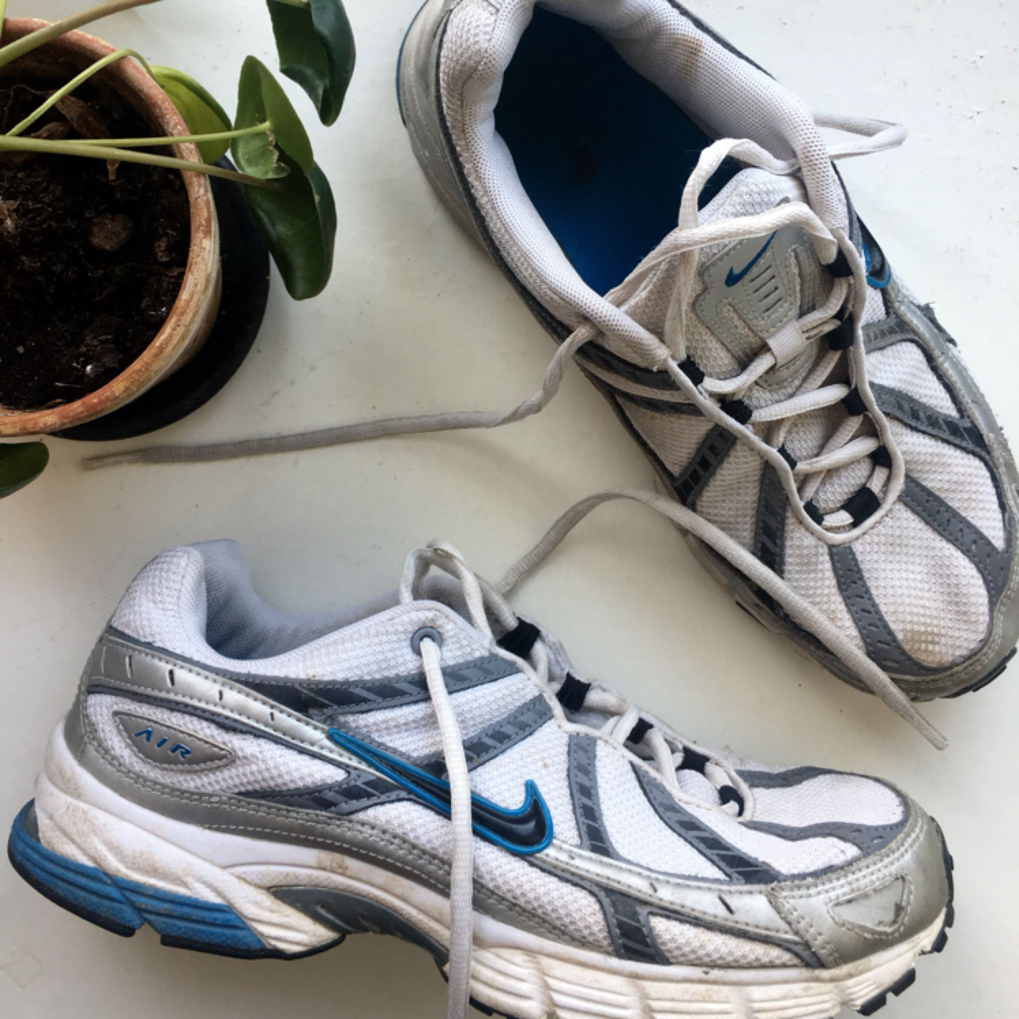 new style d887c 8348e Vitablåa sneakers från Nike. Storlek 41. I fint, begagnat skick.