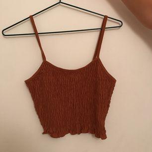 Super fint linne i toppskick! Endast använd en gång. Säljes pga fel storlek. Kan mötas upp annars står köparen för frakt💕💕