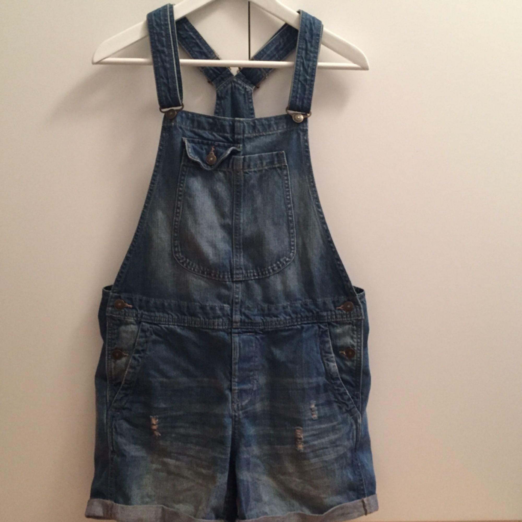 hängselbyxor från h&m! . Jeans & Byxor.