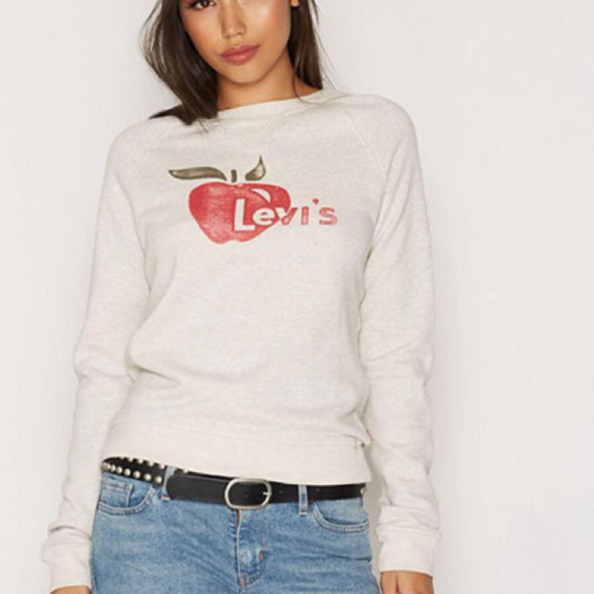 Sweatshirt från Levi's. ✨ Köparen står för ev fraktkostnad 💌. Huvtröjor & Träningströjor.