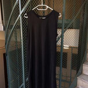 Monki sleeveless t-shirt klänning ✖️ Väldigt mjukt matte tyg som faller fint på kroppen