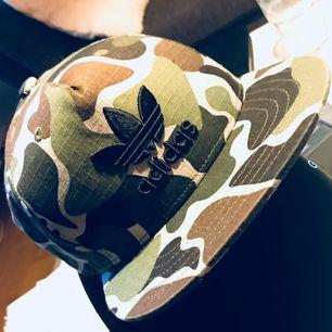 Adidas camo baseballkeps