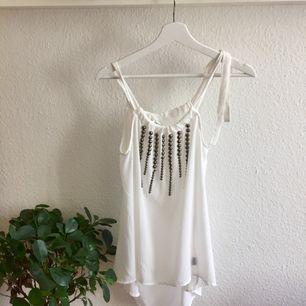 🌸Superfin topp som går att använda till fest eller som strandklänning på sommaren🌸 köpt i New York!