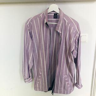 Snygg vintage skjorta från beyond retro!