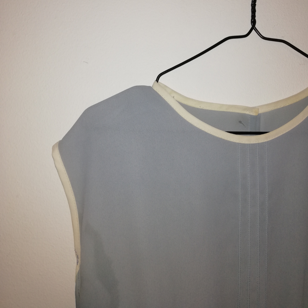Ljusblå klänning i 40tals stil. . Klänningar.
