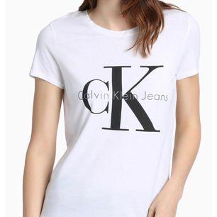 Säljer min Calvin Klein t-shirt Bra skick Köpt i London för ca 499 Kan frakta och även mötas upp i Uppsala