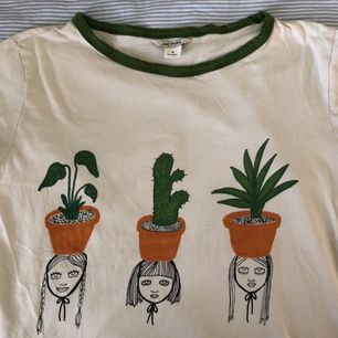 Fin tröja från Monki, storlek M. Frakt tillkommer 🌿