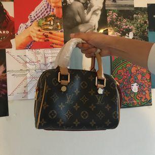Helt oanvänd Luis Vuitton Fake väska, pris kan diskuteras. Kan plockas i Stockholm området eller skickas då står du för frakt ❤️