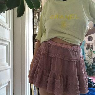 Supersöt kjol från zara. Passar en xs/s! Frakt: 55kr🎈💌