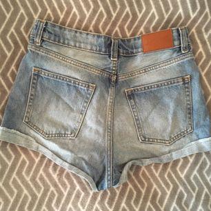 Highwaist jeansshorts från Monki. Köparen står för frakten :)