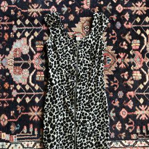 Bodycon dress från H&M. Aldrig använd! Frakt: 55kr🎈💌