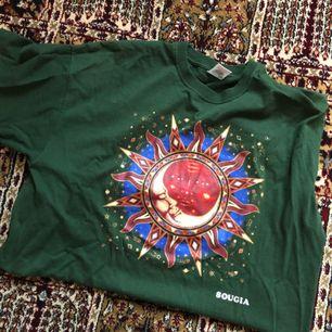 Snygg tshirt från beyondretro  Köparen står för frakten ✨✨