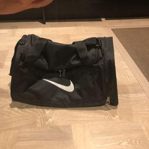 Nike duffel bag XS