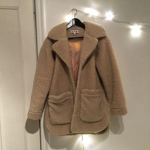 Fin och mysig ulljacka från carlings, perfekt nu för hösten/vintern! Köpt för 700, men säljer för 280! Frakt inräknad i priset💞💞💞