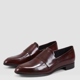 Säljer mina fina loafers från Vagabond då de aldrig kommer till användning! Använda ca 3 ggr.  Lästen heter Frances och säljs i butik just nu för 1000kr.