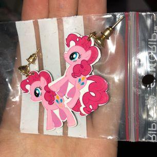 My little pony örhängen 😭🌸