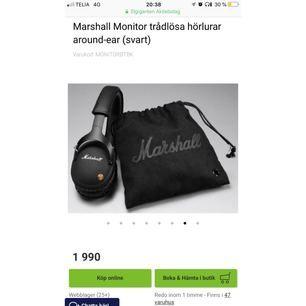 Säljer ettJag par Marshall Monitor trådlösa hörlurar around-ear (svart) då jag är i behov av pengar. Jag köpte dessa hörlurar nu i augusti precis innan skolan började. Jag vill inte sälja dem så här billigt men jag vill få dem sålda så snabbt som möjligt. Påsen och allt medföljer. Frakten är inlagd i priset.