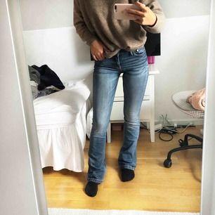 Bootcut Jeans från märket crocker, köpta på JC. Modell PEP BOOT. Storlek 26/33. Nypris runt 700/800kr.