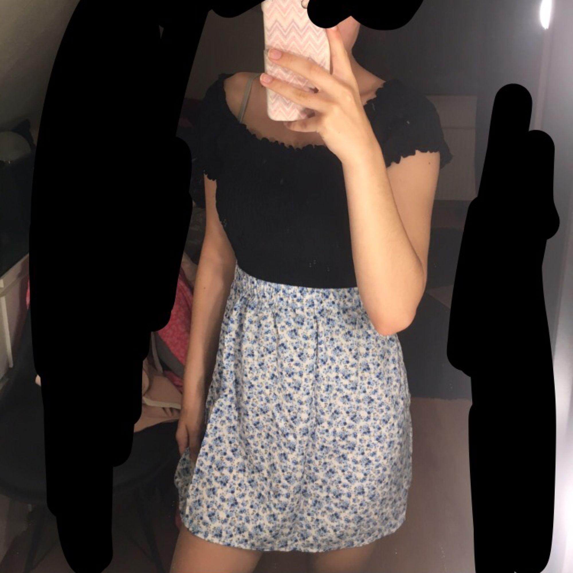 Oanvänd kjol från h&m! . Kjolar.