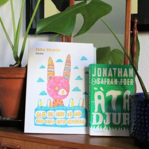 2 böcker, ett seriealbum och en pocket. Säljes separat eller tillsammans för 80 kr inkl frakt 💌