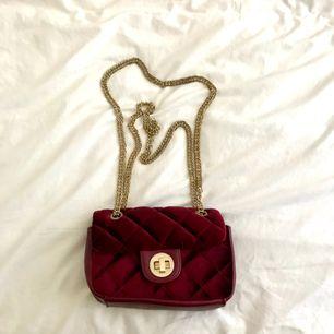 Väska från Gina tricot. Använd fåtal gånger